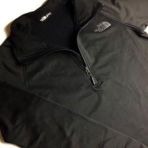 The North Face   Men's Quarter ZIP Black Shirt - S